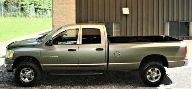 very clean 2006 Dodge Ram 2500 lifted