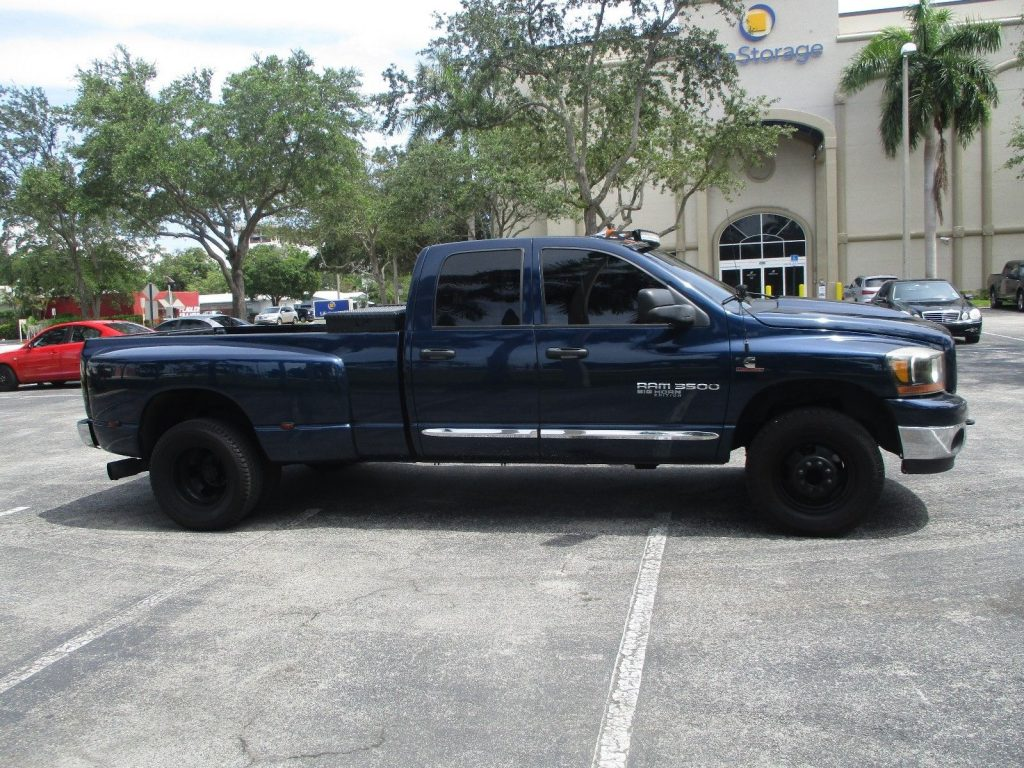 very nice 2006 Dodge Ram 3500 lifted