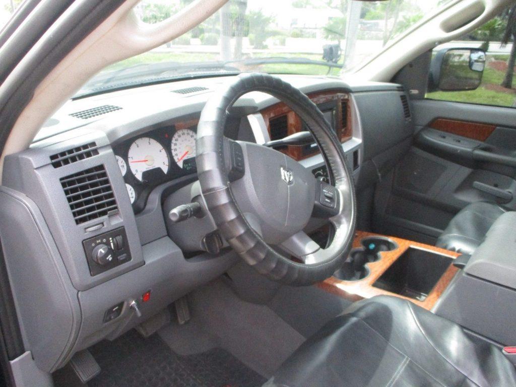 very nice 2006 Dodge Ram 3500 lifted