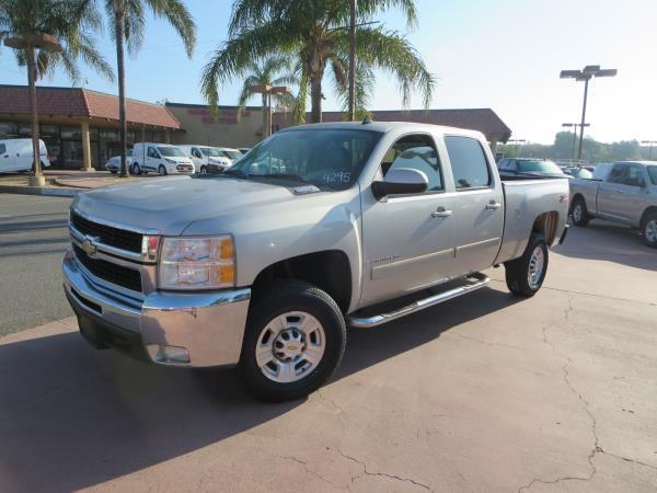 loaded 2007 Chevrolet C2500 DSL 4X4 LTZ lifted for sale
