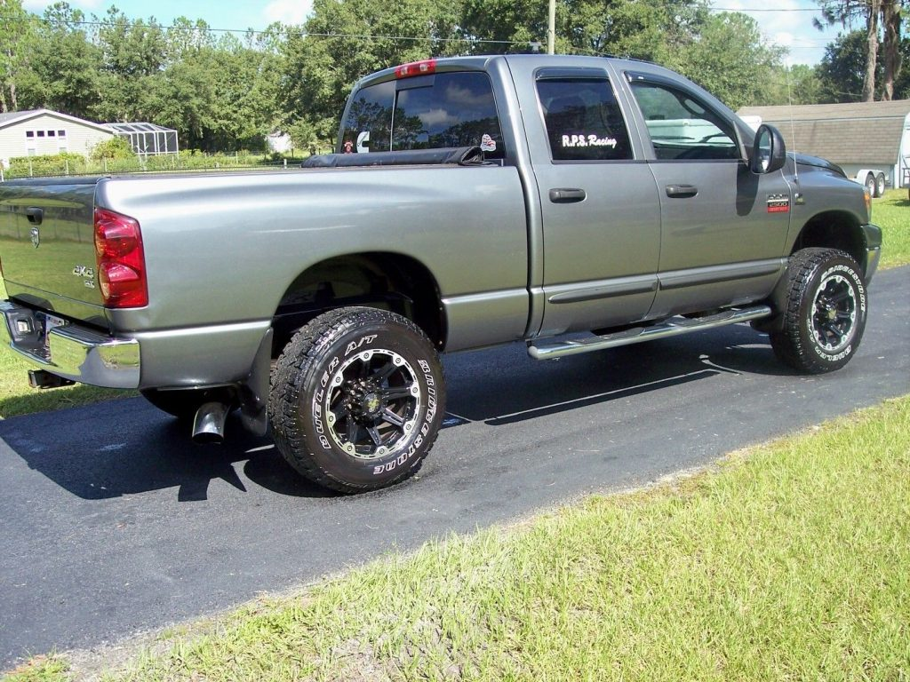 well equipped 2007 Dodge Ram 2500 Thunder Road Package lifted