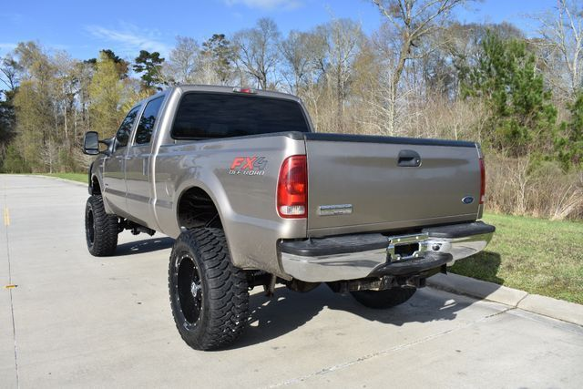 very nice 2006 Ford F 250 XLT lifted