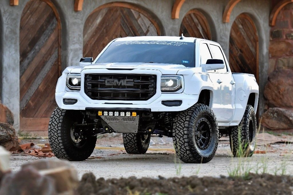 very nice 2017 GMC Sierra 1500 SLT lifted