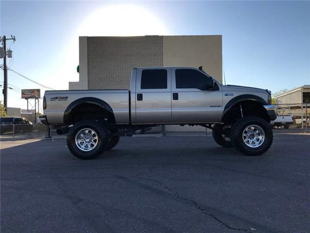absolutely rust free 1999 Ford F 250 XLT lifted pickup