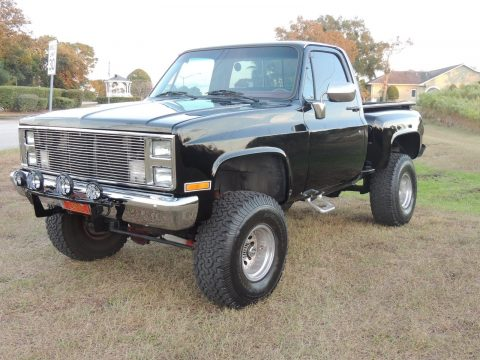 clean 1987 Chevrolet Pickups Scottsdale lifted for sale