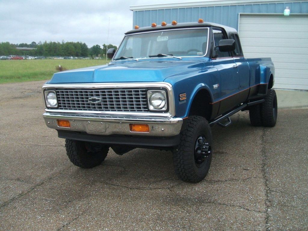 custom built 1972 Chevrolet C/K Pickup 3500 lifted