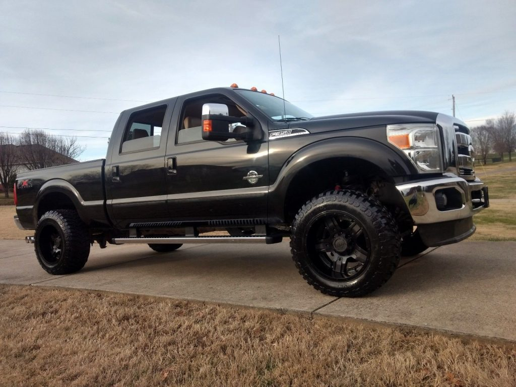 elegant trim 2011 Ford F 350 Lariat with FX4 Package lifted