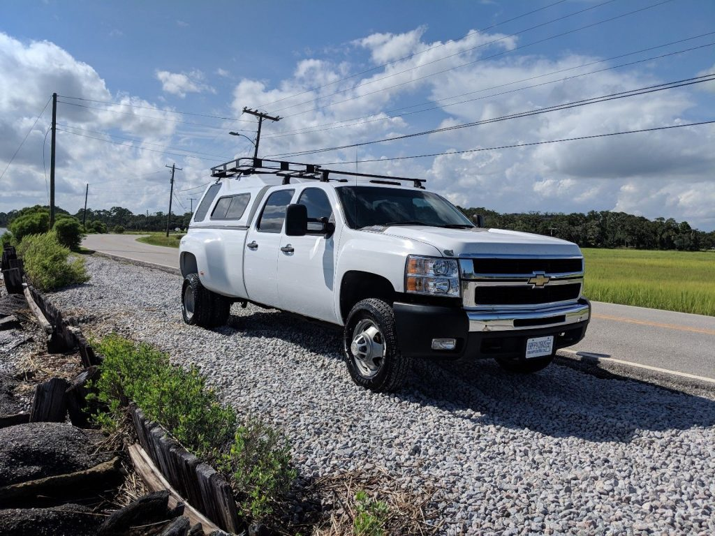 immaculate 2009 Chevrolet Silverado 3500 lifted