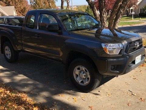rare manual trans 2015 Toyota Tacoma lifted for sale