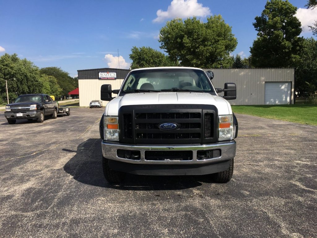 strong running 2009 Ford F 350 XL lifted