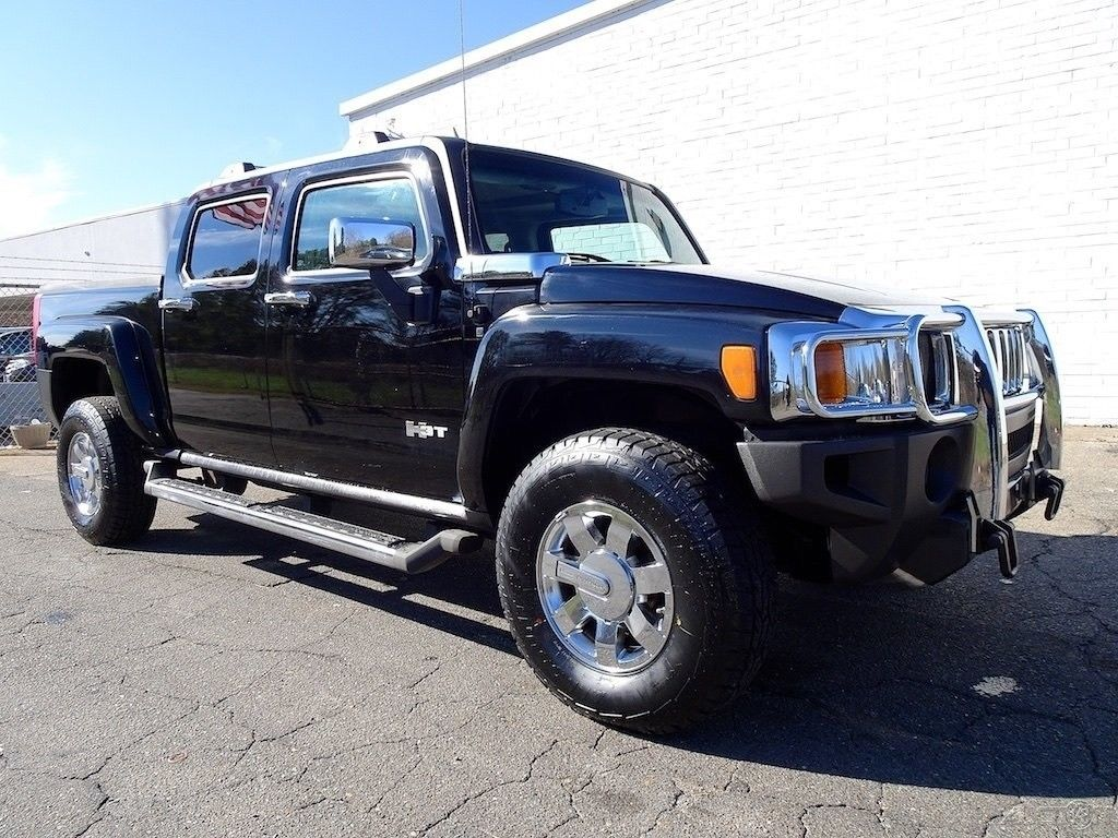 well equipped 2009 Hummer H3T lifted for sale
