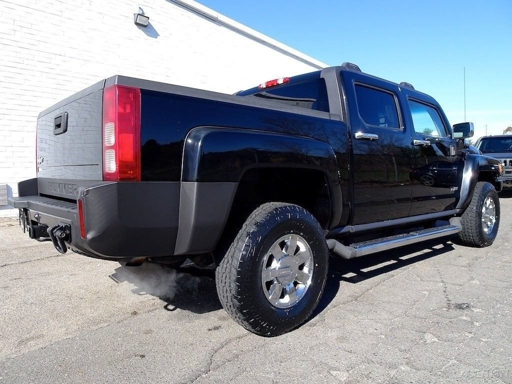 well equipped 2009 Hummer H3T lifted
