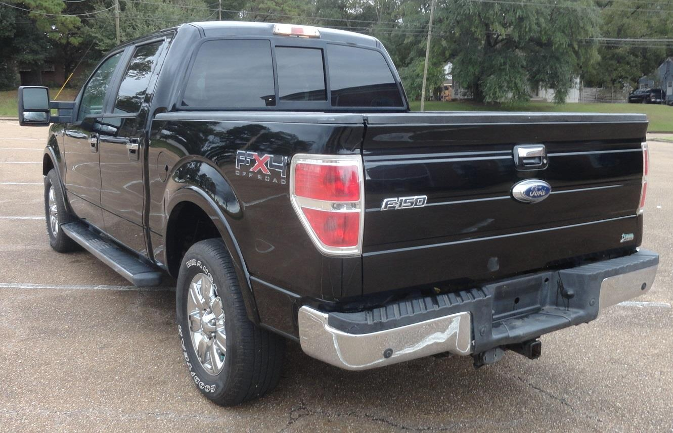 well equipped 2010 Ford F 150 Lariat lifted pickup