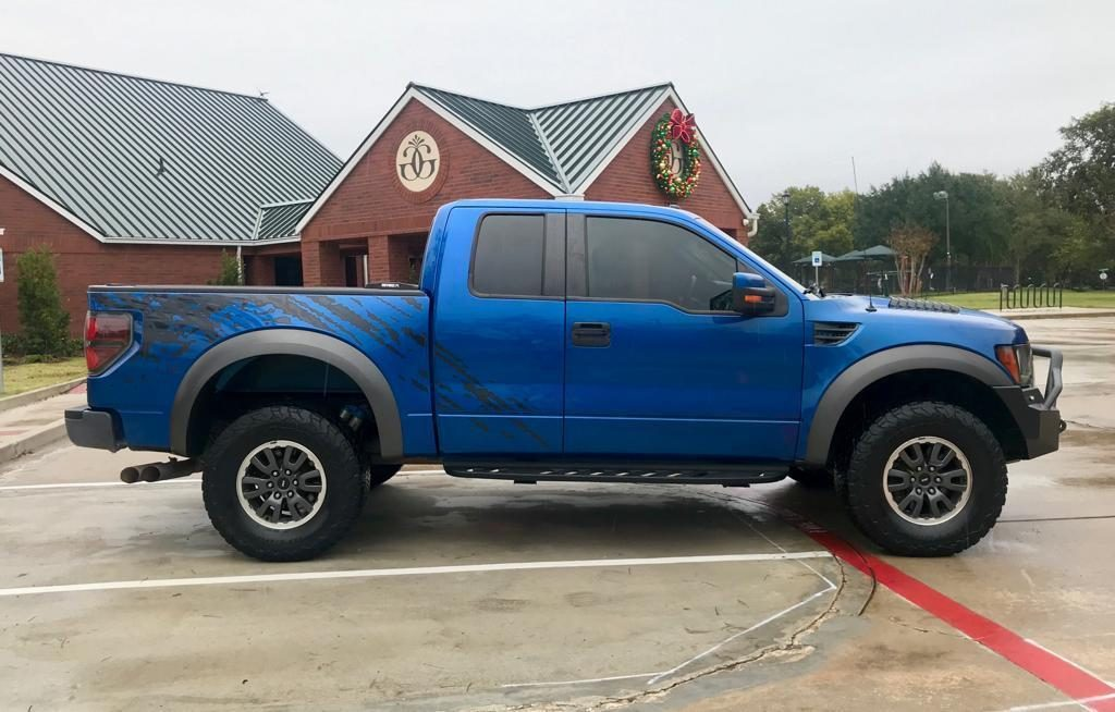 well serviced 2010 Ford F 150 SVT Raptor lifted