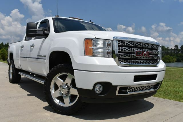 great shape 2011 GMC Sierra 2500 Denali lifted