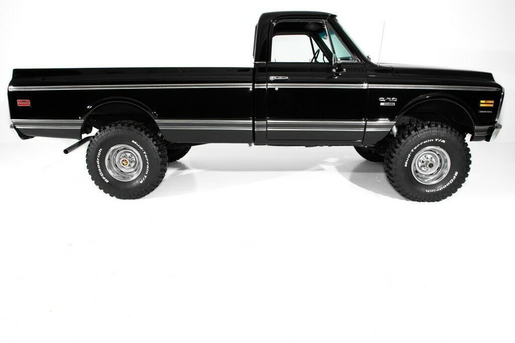 vintage 1972 Chevrolet K10 Pickup lifted