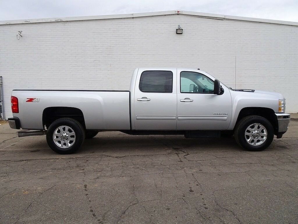 clean 2012 Chevrolet Silverado 3500 LTZ pickup lifted
