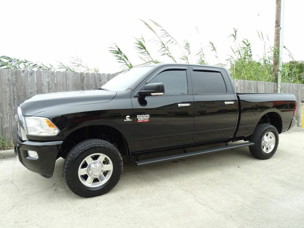 loaded 2012 Dodge Ram 2500 Lone Star crew cab lifted