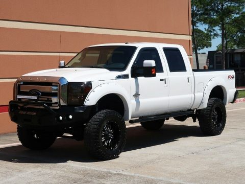 beautiful 2013 Ford F 250 Lariat lifted for sale