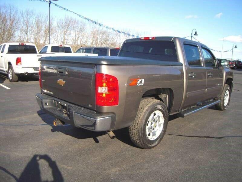 great shape 2013 Chevrolet Silverado 1500 LT pickup lifted