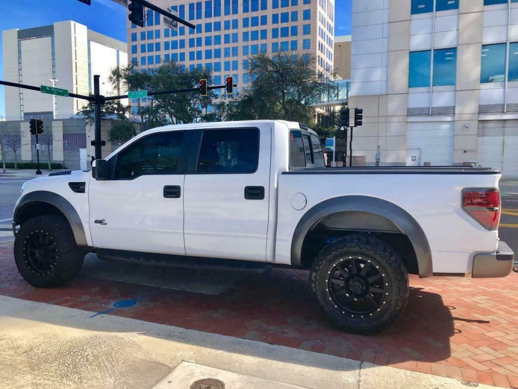 loaded 2013 Ford F 150 SVT Raptor lifted