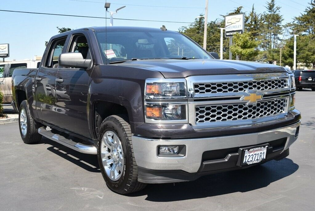 very nice 2014 Chevrolet Silverado 1500 LT lifted for sale