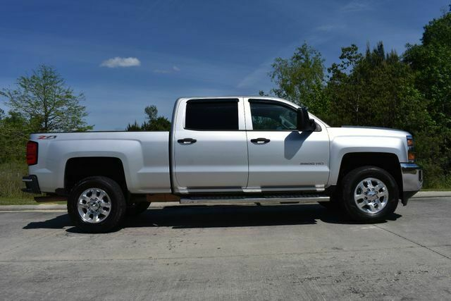 very nice 2015 Chevrolet Silverado 2500 LT lifted