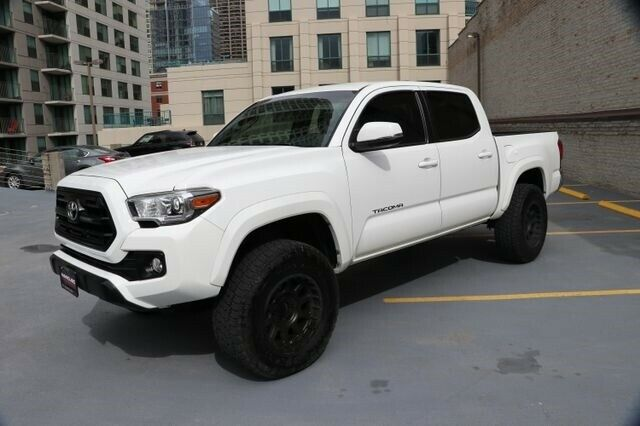 low miles 2016 Toyota Tacoma TRD lifted