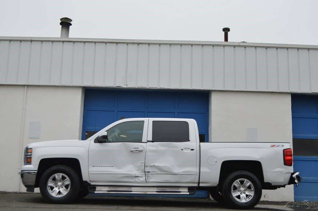 needs repair 2015 Chevrolet Silverado 1500 2LT lifted