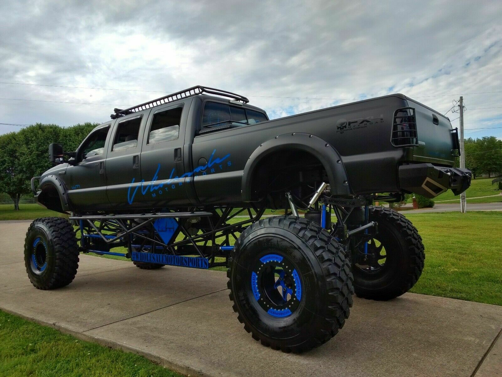 stretched 2005 Ford F 350 lifted