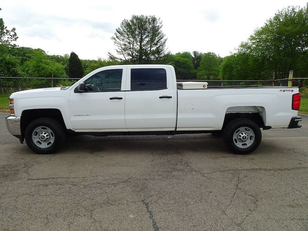 tough worker 2015 Chevrolet Silverado 2500 lifted