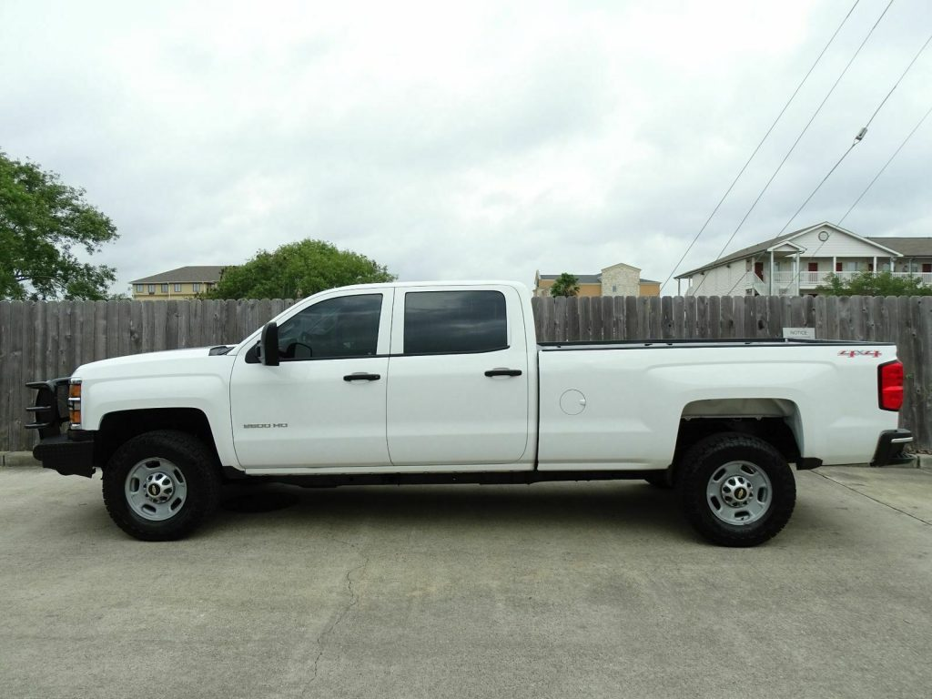 well equipped 2015 Chevrolet Silverado 2500 lifted