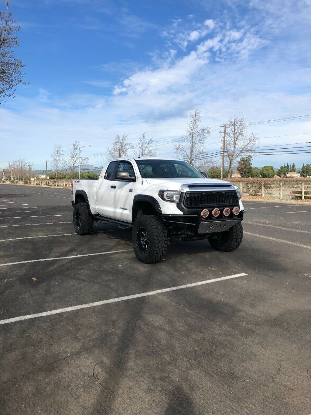 well equipped 2015 Toyota Tundra Double cab lifted