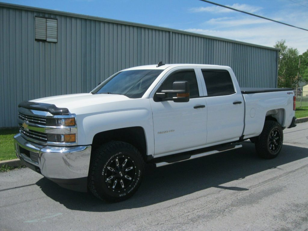 amazing shape 2016 Chevrolet Silverado 2500 lifted