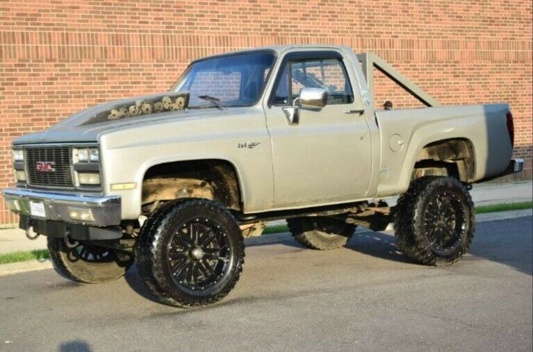 heavily customized 1985 Chevrolet C 10 1/2 Ton Stepside pickup lifted