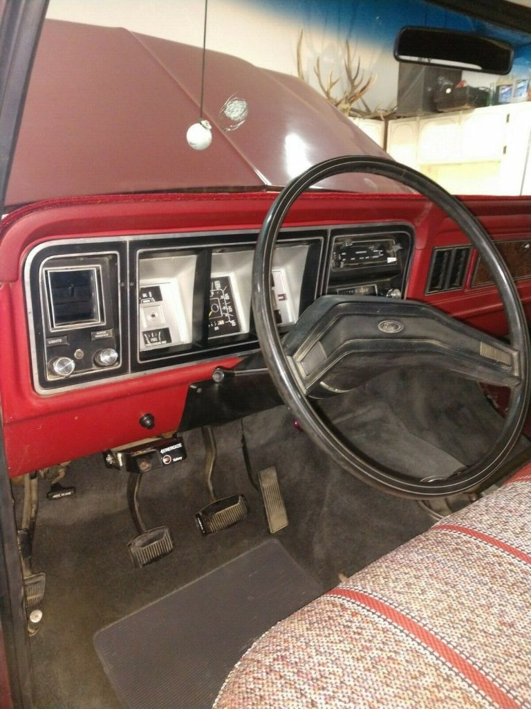 nicely modified 1979 Ford F 250 Custom pickup lifted