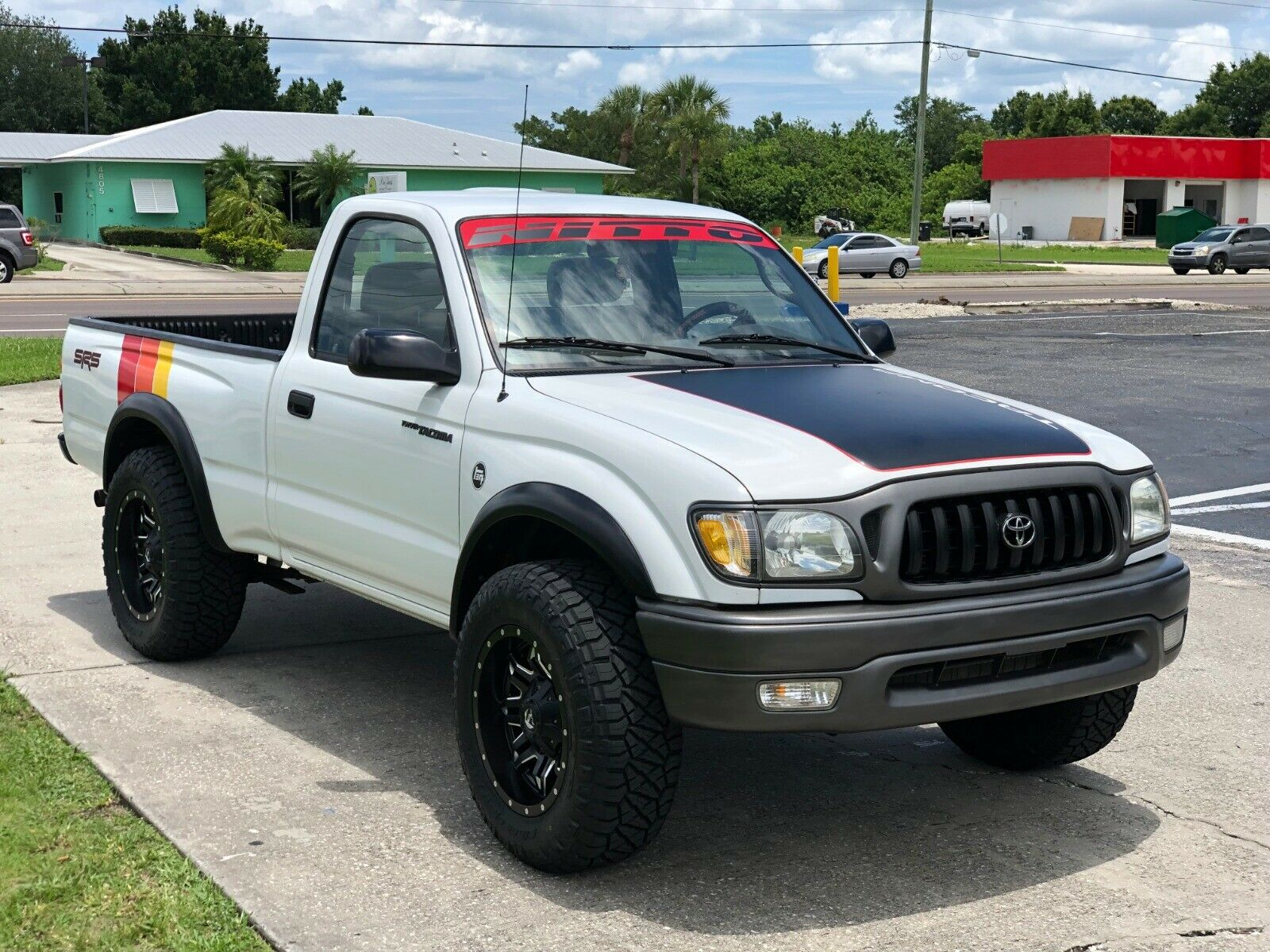 very clean 2002 Toyota Tacoma SR5 lifted for sale