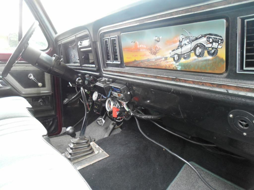vintage 1979 Ford F 150 Ranger Lariat pickup lifted