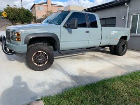 well customized 1994 GMC Sierra 3500 lifted for sale