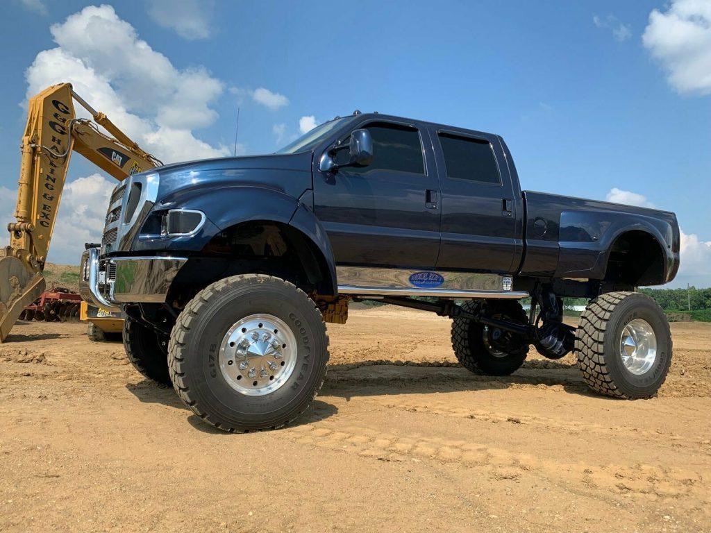 badass 2000 Ford F750 Super duty lifted
