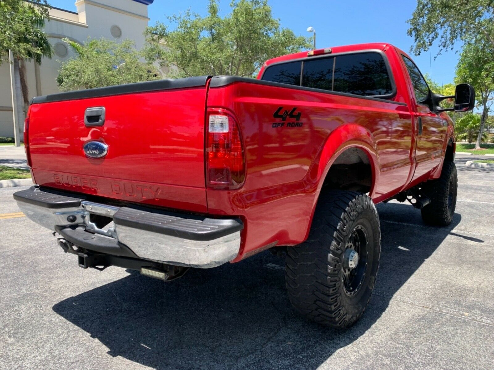 very clean 2005 Ford F 250 lifted