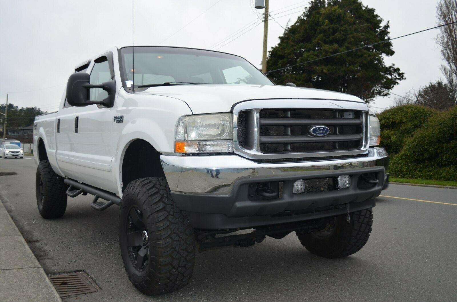 well equipped 2002 Ford F 350 Lariat lifted for sale