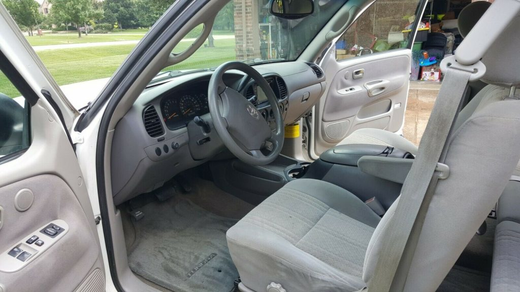 well serviced 2003 Toyota Tundra SR5 lifted