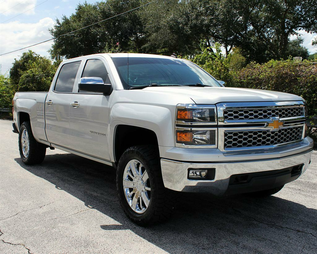 great shape 2014 Chevrolet Silverado 1500 LT Z71 lifted for sale