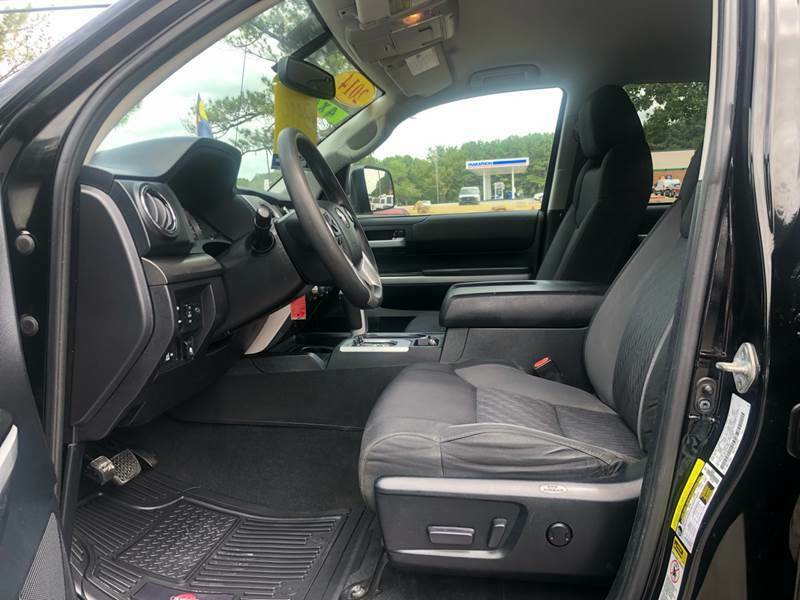 sharp 2014 Toyota Tundra SR5 4×4 custom lifted