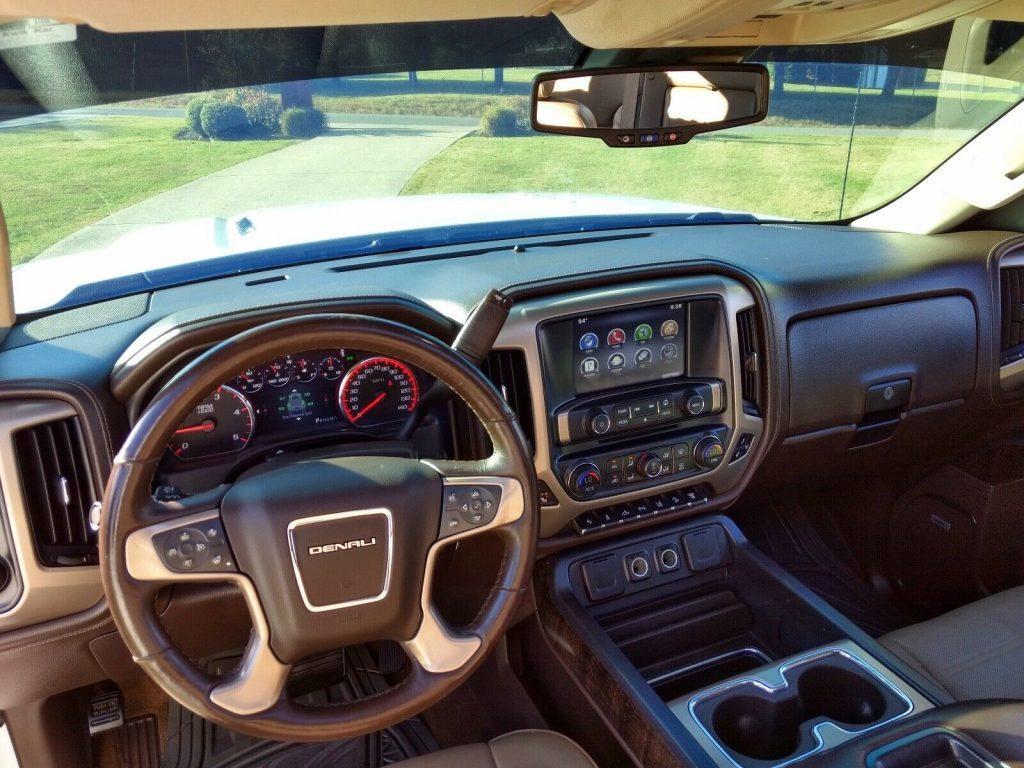 well equipped 2015 GMC Sierra 2500 Denali HD lifted