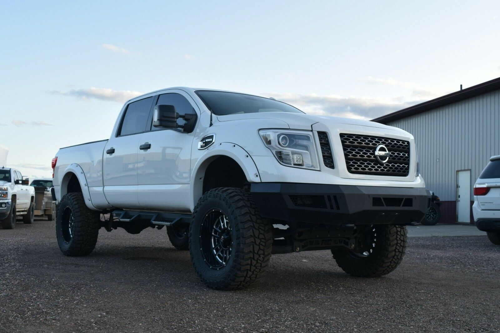 well modified 2016 Nissan Titan Pro4X lifted for sale