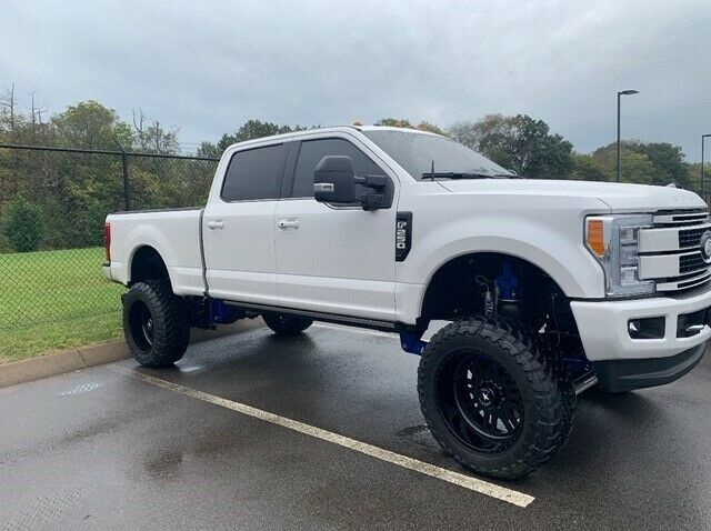 low miles 2017 Ford F 250 Platinum 6.7L Powerstroke lifted