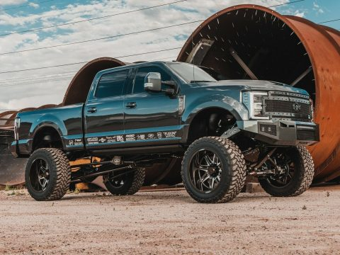 well modified 2017 Ford F 350 Platinum lifted for sale