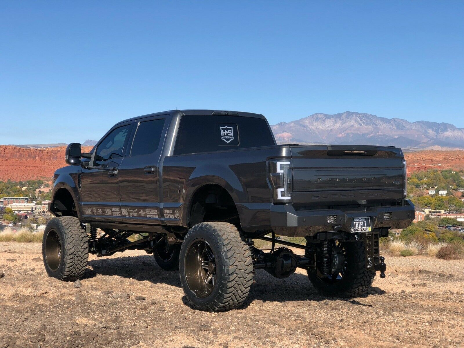 well modified 2017 Ford F 350 Platinum lifted